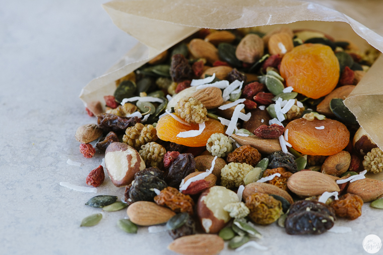 healthy travel fruit and nut mix