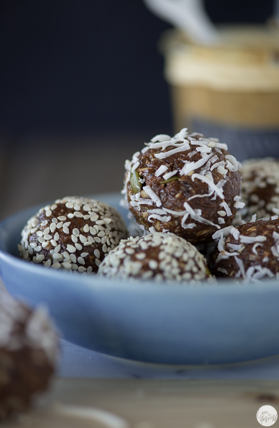 raw chocolate nut butter balls