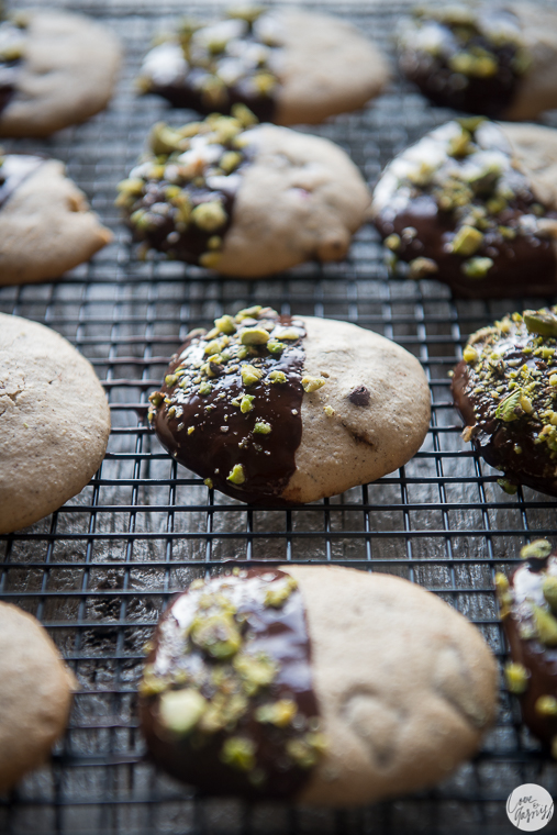 christmas dark chocolate dipped peppermint cookies with pistachios